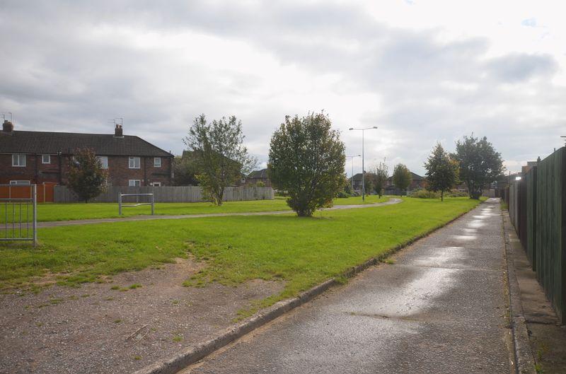 Lower House Lane