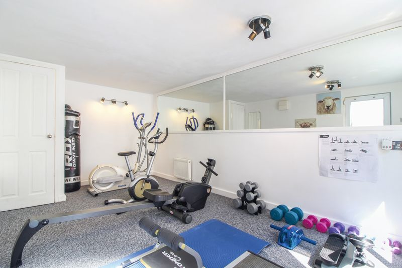 Gym / home office