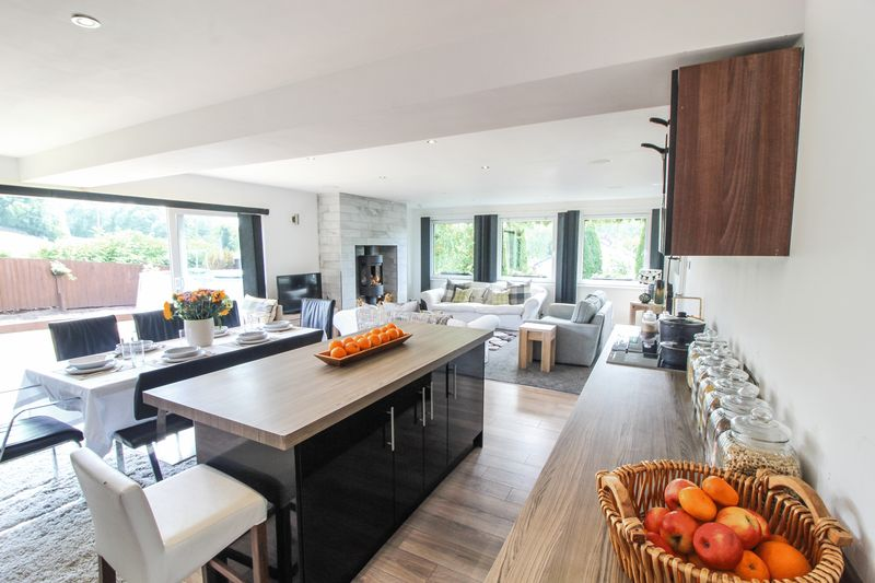 Open plan kitchen / dining / living