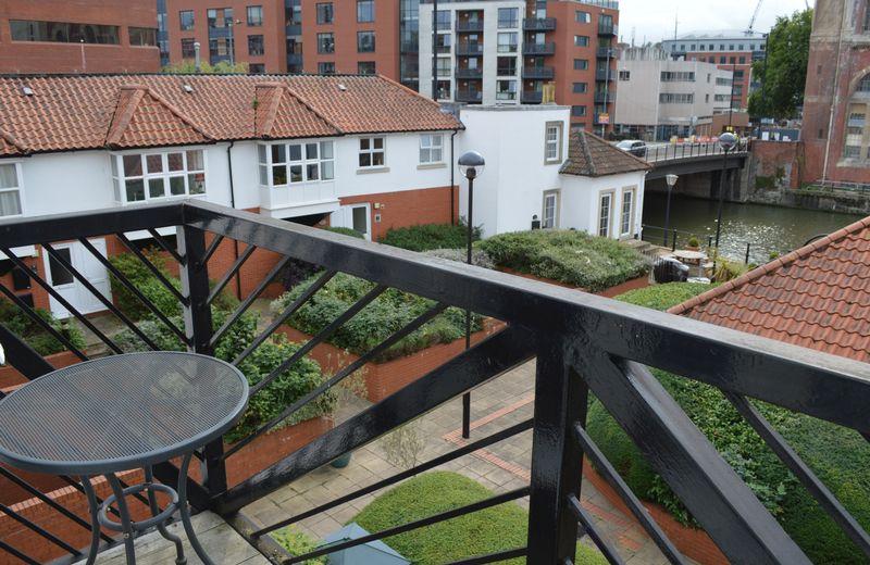 Ferrymans Court,Queen street Queen Street