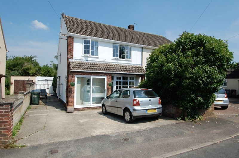 4 Bedrooms Property for sale in Kingsway Drive, Kidlington