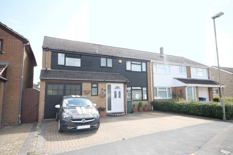 4 Bedrooms Property for sale in Morton Avenue, Kidlington