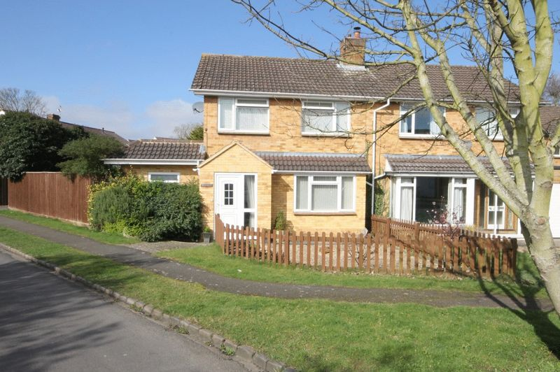 3 Bedrooms Property for sale in Dukes Road, Kidlington