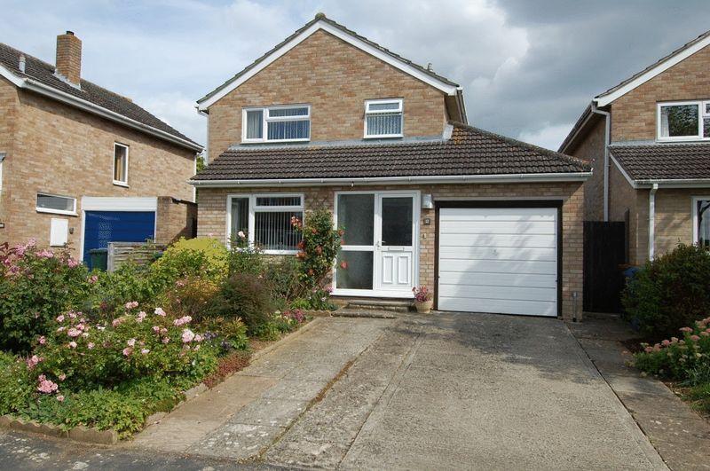 3 Bedrooms Property for sale in Ash Close, Kidlington