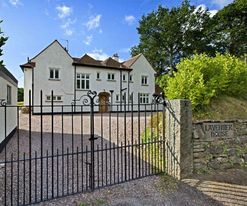 Moorlands Road