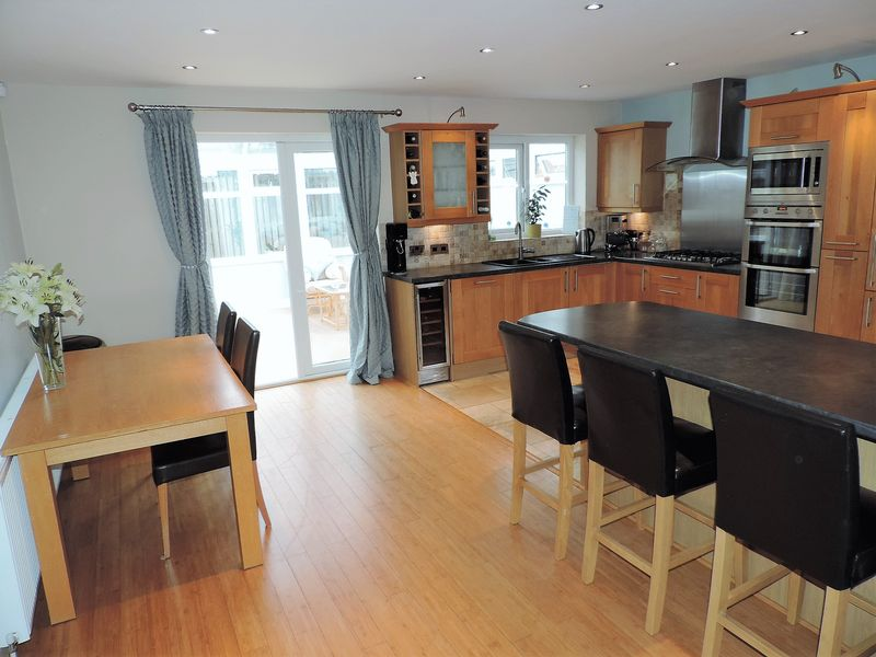 Open plan kitchen and dining room