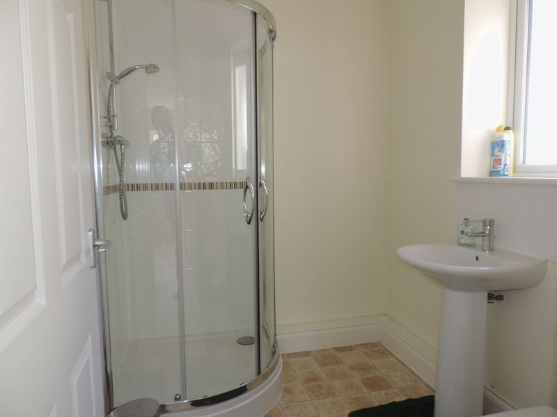 Shower room in annexe