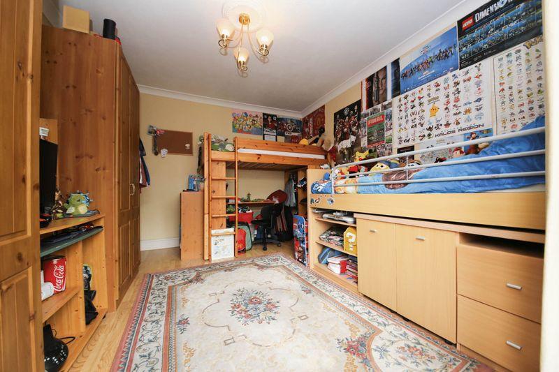 Sandringham Close