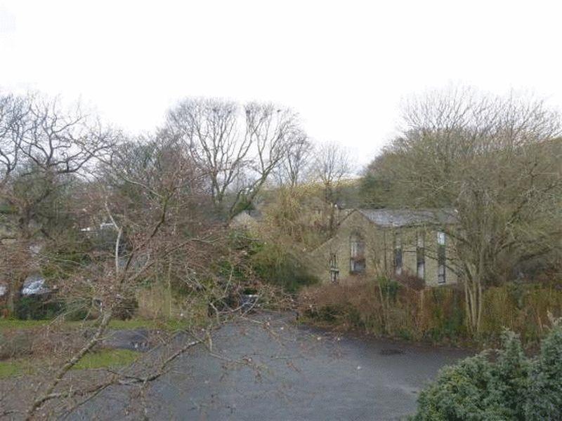 Hurstbrook Close