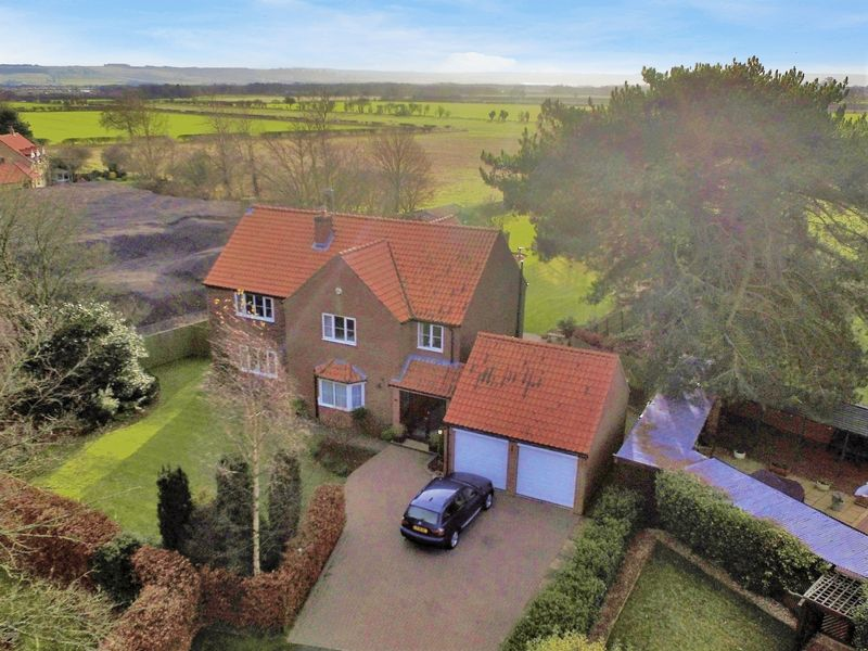 5 Bedrooms Property for sale in West Acres Close West Ayton, Scarborough