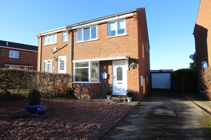 3 Bedrooms Property for sale in Hovingham Drive, Scarborough