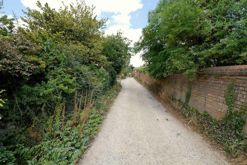 Wittenham Lane