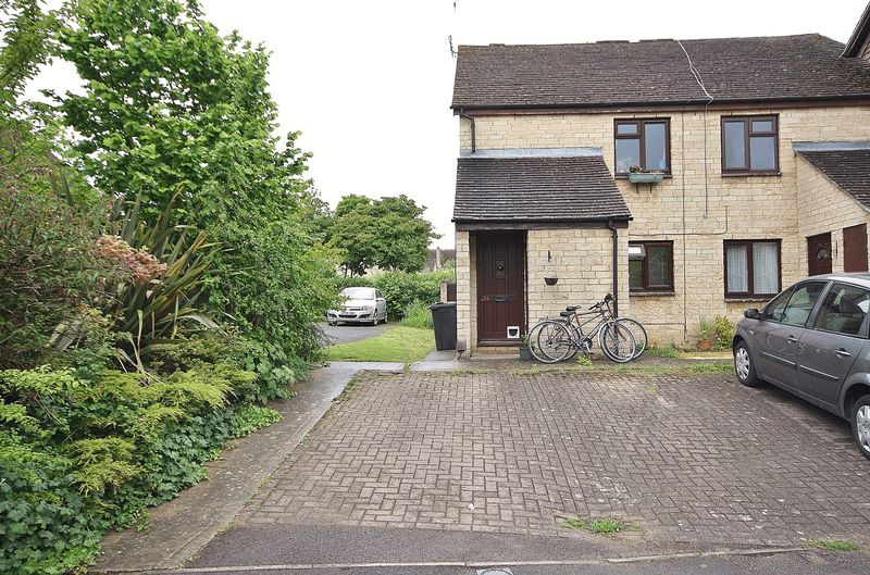 1 Bedroom Property for sale in Manor Road, Witney