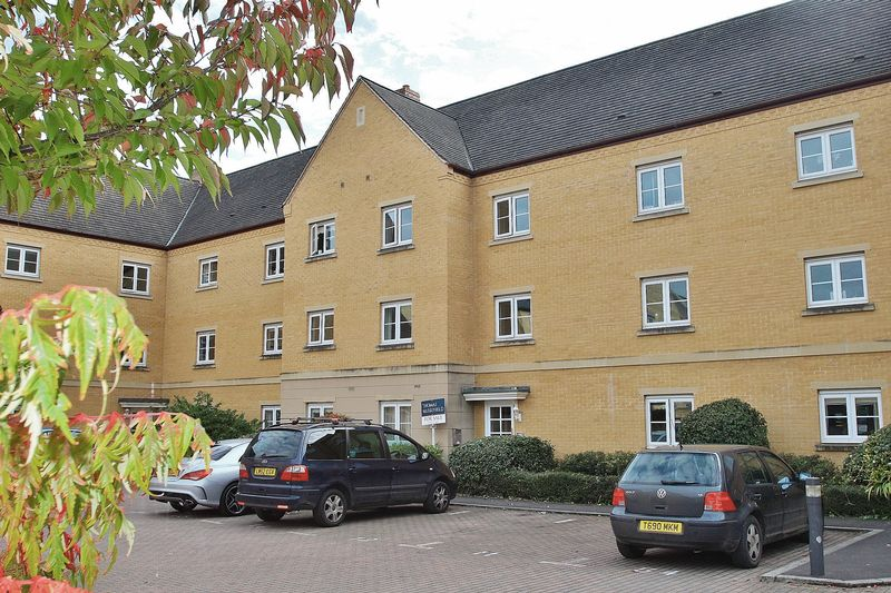 2 Bedrooms Property for sale in Windrush Quay, Witney