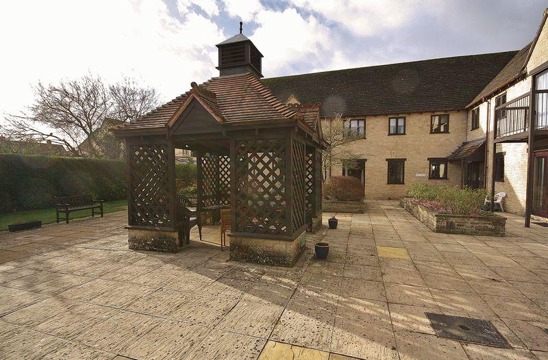 Swinbrook Court, 70 Langdale Gate
