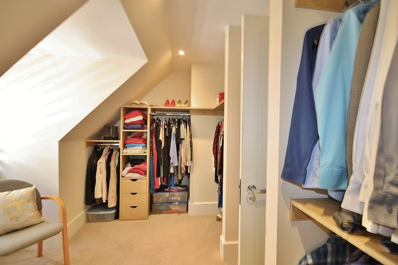 Dressing Room to Bedroom 1