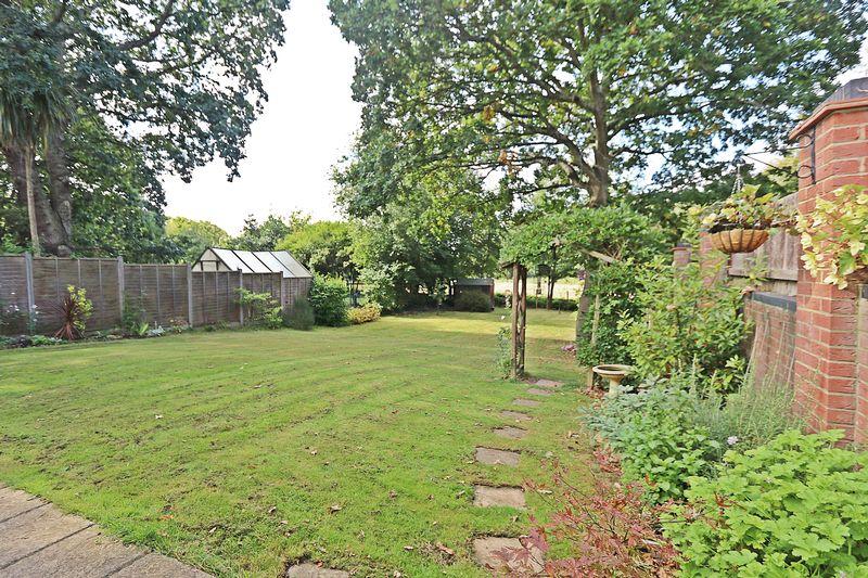 Sixpenny Close Titchfield Common