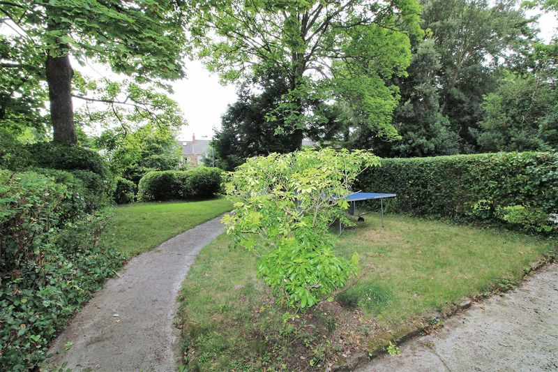 Alverton Gardens