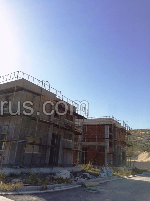 three-bedroom-villas-with-sea-views-located-near-the-tourist-area-in-ayia-tychonas