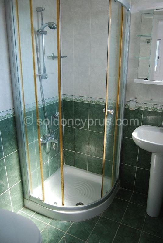 En-Suite Shower 1