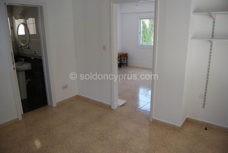 Lower Ground Floor Bedroom and Bathroom