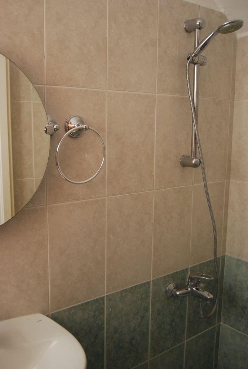 Master En-suite shower