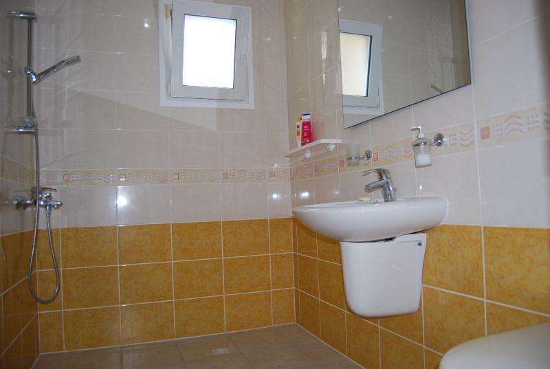 Bedroom 2 en-suite
