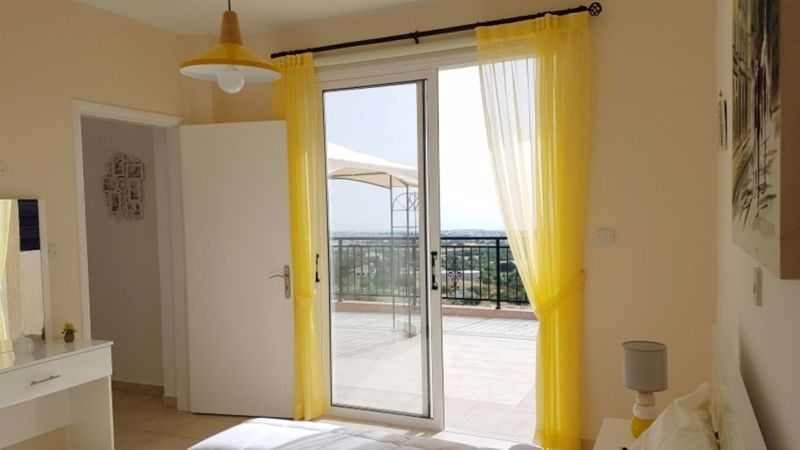 Bedroom with access to Veranda