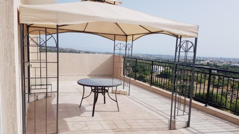 Large Veranda with Views