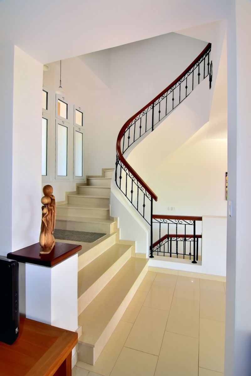Elegant Entrance and Staircase