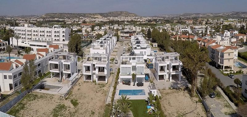 4-bedrooms-land-larnaca-for-sale