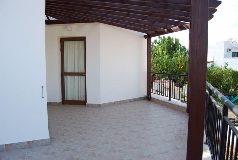Veranda with Pergola
