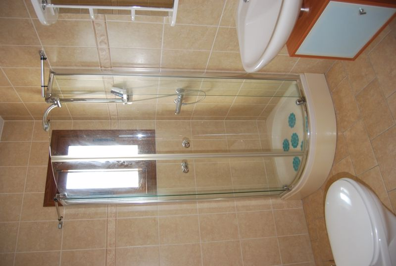 Shower Room in One Bedroom Apartment