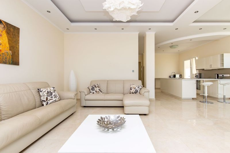 Open Plan Lounge and Dining
