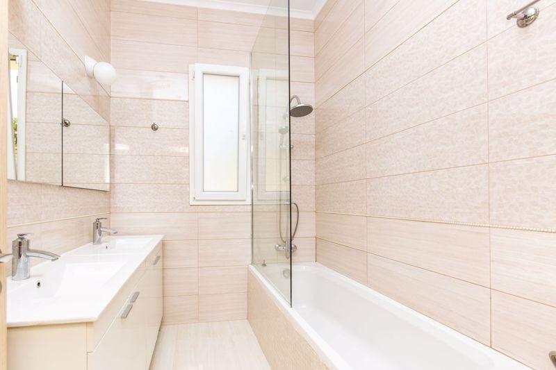 Family Bathroom with twin basins