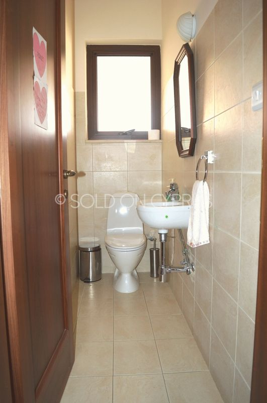 Ground floor bedrooms WC