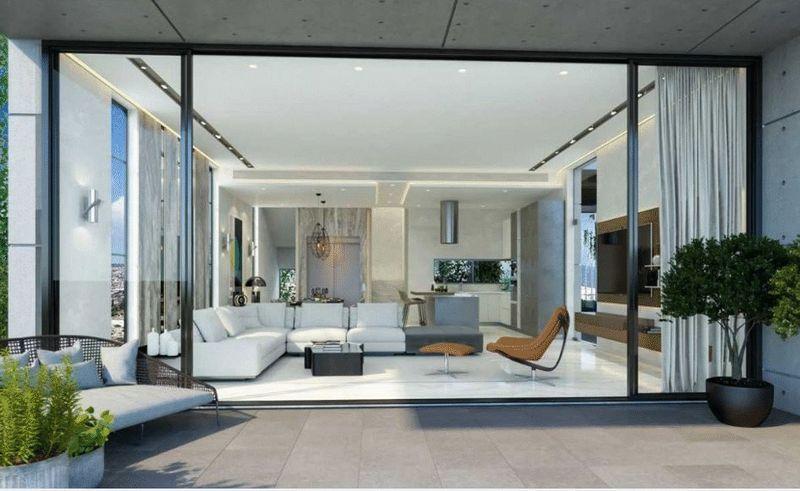 Veranda/lounge area