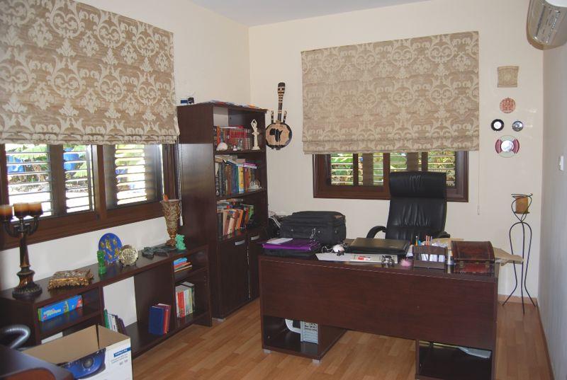 Study/Office/ 4th Bedroom