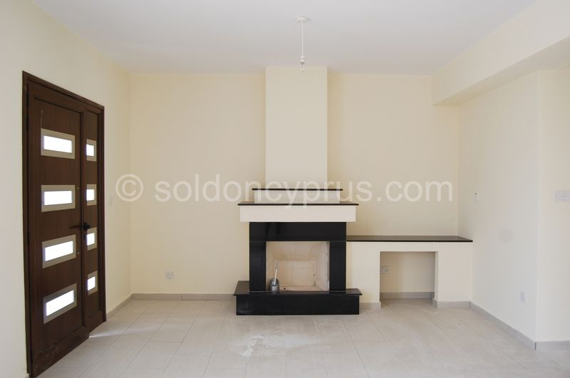 Villa 2 - Fireplace
