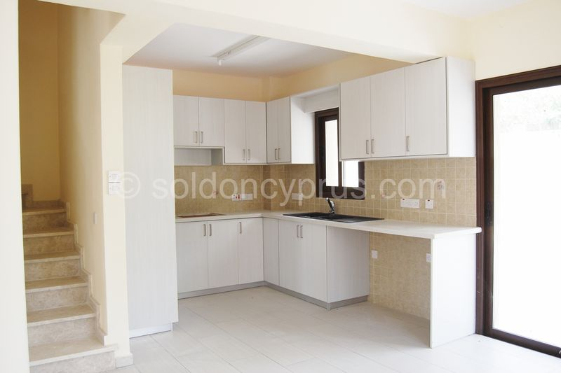 Villa 2 - Kitchen