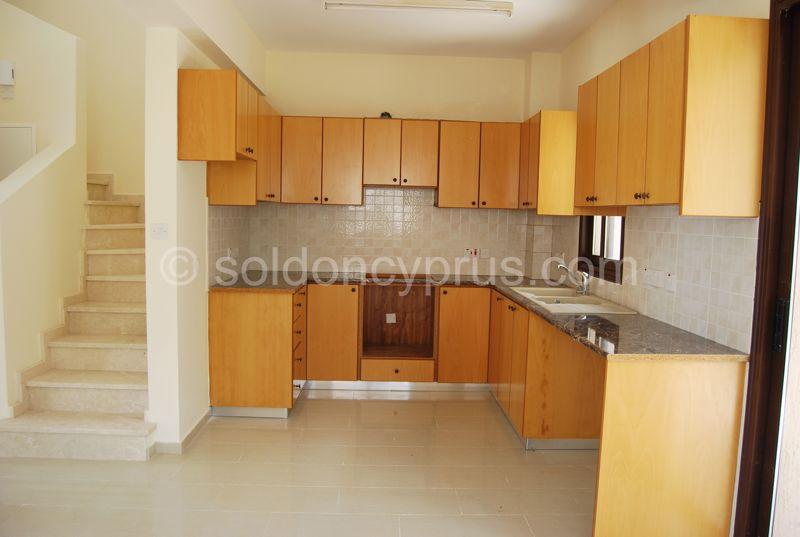 Villa 4 - Kitchen