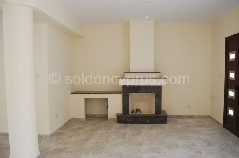 Villa 3 - Fireplace