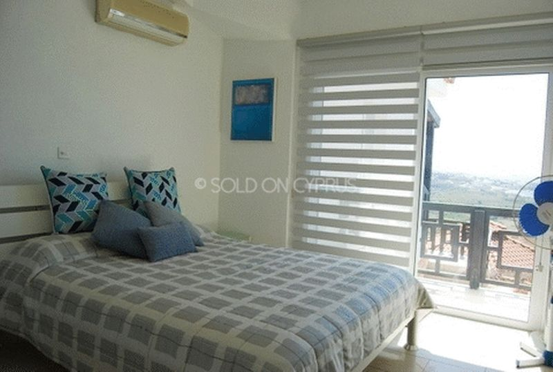 Bedroom with Balcony and Sea View