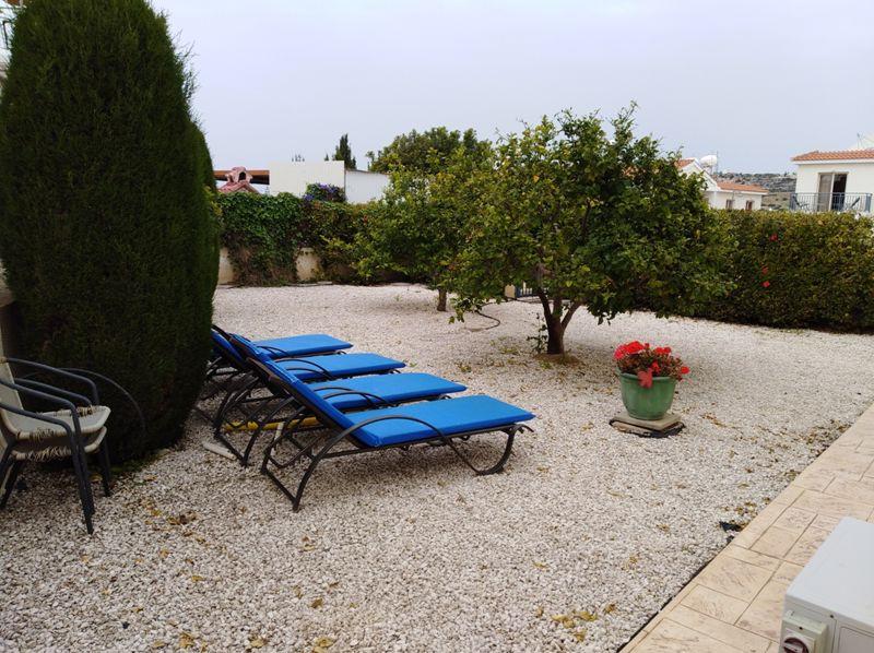 Private Side Garden