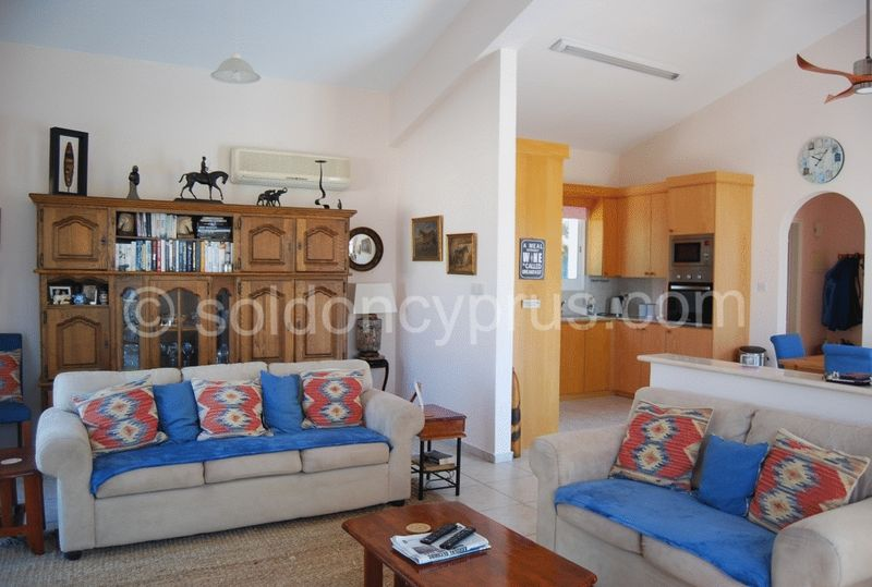 Spacious and Bright Lounge, Dining and Kitchen Are