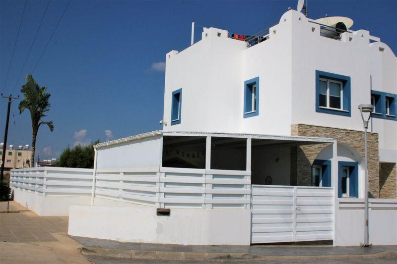Front-of-Villa-(1)