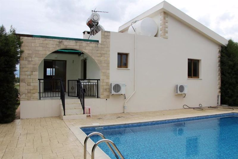 Bungalow with Access to Private Pool
