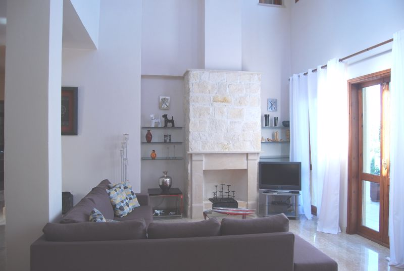 Lounge area with feature fireplace