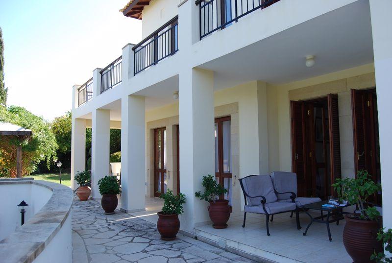 Full width covered veranda