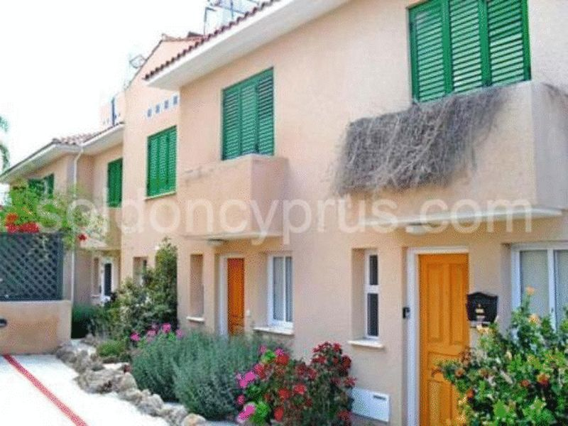 2-bedrooms-townhouse-paphos-for-sale